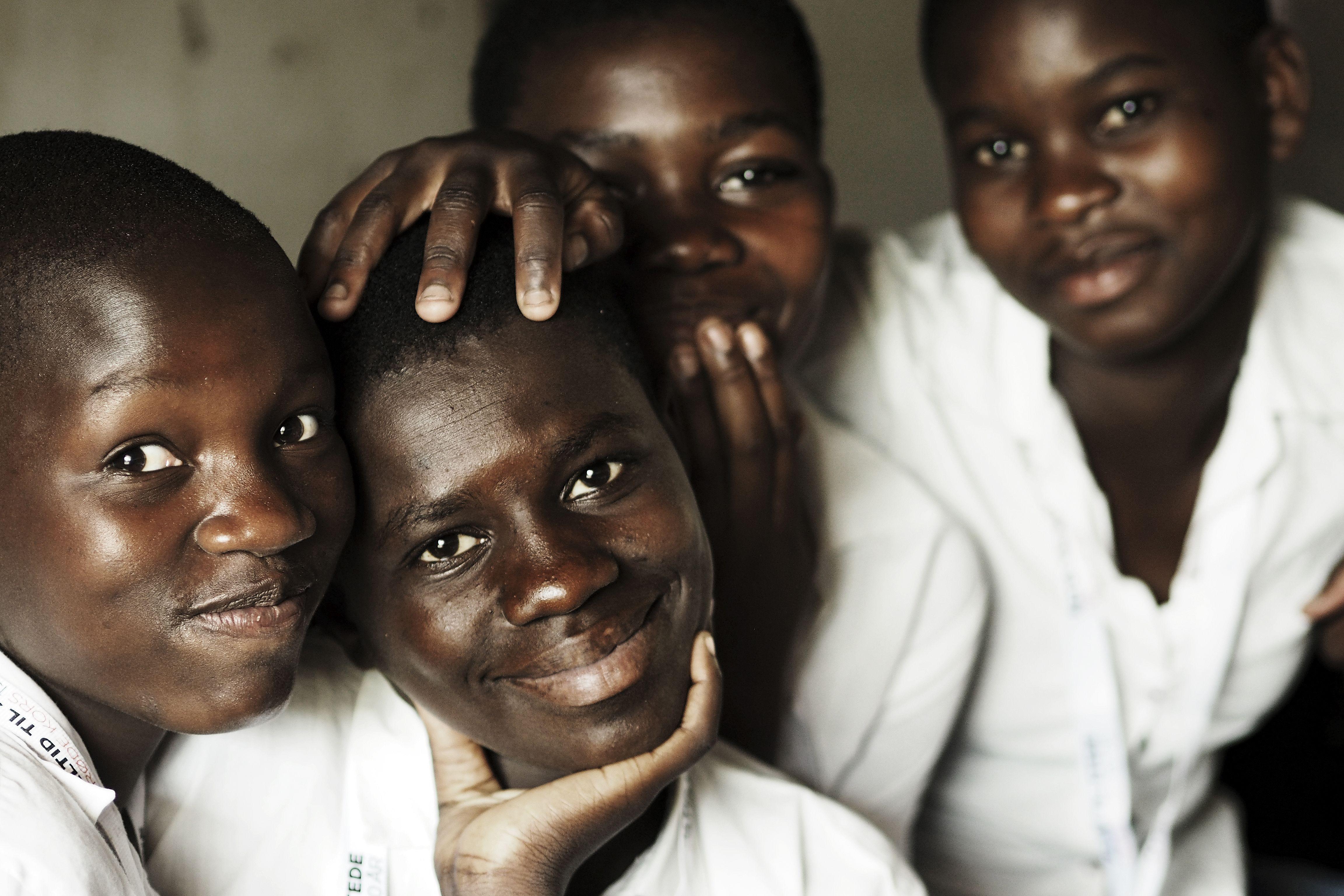 Malawi: Piger på sommerlejr